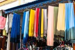 Stary Medina souk fez, rzemieślnika kolorowa marokańska skóra sklep, Obraz Stock