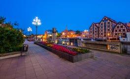 Stary miasteczko i świrony Brda rzeką przy nocą Bydgoski obraz stock