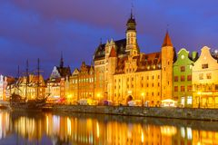 Stary miasteczko i Motlawa rzeka w Gdańskim, Polska obraz stock