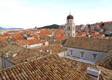 Stary miasto Dubrovnik z Franciszkański Kościelny Dzwonkowy wierza Obraz Stock