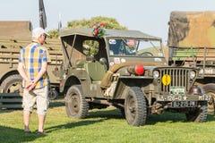 Stary militarny dżip z jego wyposażenie wystawą Zdjęcia Royalty Free