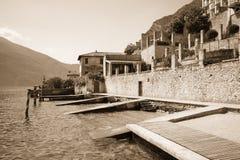 Stary molo na Jeziornym Gardzie Zdjęcia Royalty Free