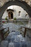Stary monasteru widok od schodków zdjęcie stock