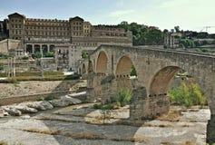 Stary most i jama święty Manresa zdjęcie royalty free