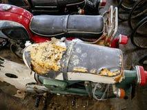 Stary motocykl, moped i hulajnoga, rocznika tło Zdjęcia Stock