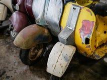 Stary motocykl, moped i hulajnoga, rocznika tło Obraz Stock