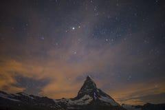 Stary Nacht Matterhorns Lizenzfreie Stockfotos