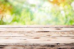 Stary nieociosany drewniany stołowy wierzchołek Obraz Royalty Free