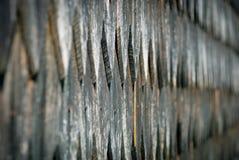 Stary nieociosany drewniany tafluje dachowy tekstury tło Zdjęcia Royalty Free