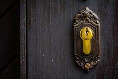 Stary ośniedziały keyhole, część antyczny drzwi obrazy royalty free
