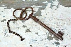 Stary ośniedziały klucz   Fotografia Stock