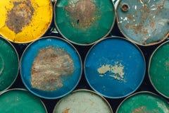 Stary ośniedziały nafcianego paliwa toksyczny chemiczny stalowy zbiornik Obrazy Royalty Free