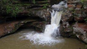 Stary Obsługuje jama spadków Górną pętlę - Hockign wzgórza, Ohio zbiory wideo