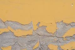 Stary odłupany tynk na betonowej ścianie, krajobrazu styl, tekstury tło zdjęcie royalty free