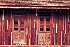 Stary okno klasyczny drewniany budynek Zdjęcia Royalty Free