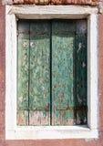 Stary okno w Burano obrazy stock