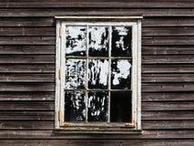 Stary okno z zasłoną drewniany dom Zdjęcia Stock
