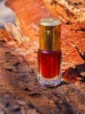 Stary olej od sandałowych drzew i agarwood Indianin koncentrujący pachnidło Obrazy Stock