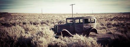 Stary ośniedziały samochód Obraz Royalty Free