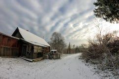 stary opuszczony dom krajobrazu wiejskiego obraz royalty free