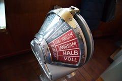 Stary parowozowy rozkazu telegraf dalej stał bezczynnie tryb Obrazy Royalty Free