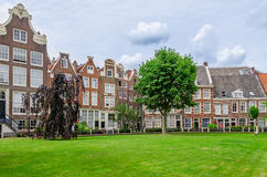 Stary patio Begijnhof w Amsterdam holandie Zdjęcia Stock