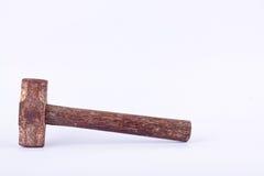stary Pełnozamachowy młot używał rdzę na białym tła narzędziu odizolowywającym Obraz Royalty Free