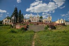Stary piękny gothic stylowy dwór Baron Von Derviz w Kiritsy wiosce Ryazan region, Rosja Fotografia Stock