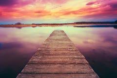 stary pier drewna Spokojna rzeka Obraz Stock