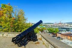 Stary pistolet i stary portowy teren w Quebec mieście, fotografia royalty free