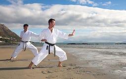 stary poćwiczyć karate. Zdjęcie Stock