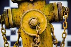 Stary pożarniczy hydrant na drodze Zdjęcia Stock