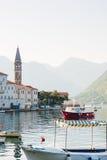 Stary połowu miasteczko Perast na brzeg Kotor zatoka Zdjęcie Royalty Free