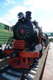 Stary pociąg jest na śladach zdjęcia royalty free
