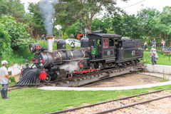 Stary pociąg &-x28; Maria Fumaca&-x29; w Tiradentes, Kolonialny miasto zdjęcia royalty free