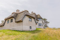 Stary pokrywający strzechą dom na łące siedziba poprzedni biegunowy badacz K obrazy royalty free