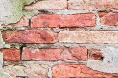 Stary przełam uszkadzający ściana z cegieł tło Fotografia Royalty Free