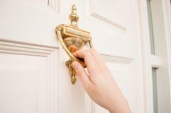 Stary puknięcia drzwi zdjęcia royalty free