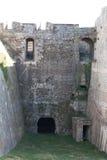 Stary średniowieczny kamienny fortu kasztel inside fotografia royalty free