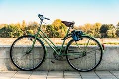 Stary retro bicykl Zdjęcie Stock