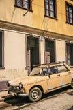 Stary retro samochód w Valparaiso obraz stock