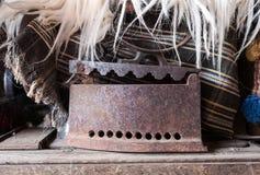 Stary rocznik gładzi żelazo zdjęcia royalty free