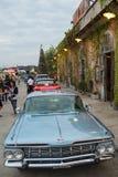 Stary rocznika chevroleta samochód przy noc rynkiem, Srinakarin droga Obrazy Royalty Free