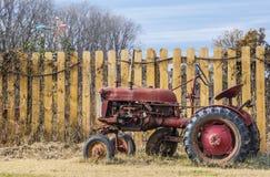 Stary rolny ciągnik Zdjęcie Stock
