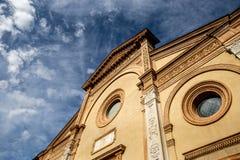 Stary Romański kościół z niebem Zdjęcie Royalty Free