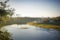 Stary Rosyjski monaster na Volga rzece obrazy royalty free
