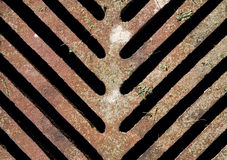 Stary rusrty ściekowy manhole odciek, tekstura Zdjęcie Royalty Free