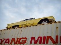 Stary samochód na zbiorniku Zdjęcie Stock