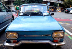 Stary samochód w Barcelona Obrazy Stock