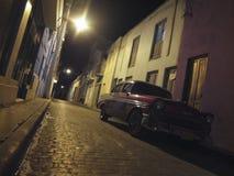 STARY samochód W ulicie HAWAŃSKI obraz stock